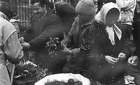 Mercado negro na URSS. O meio ao qual as pessoas podiam subsistir no sistema socialista.